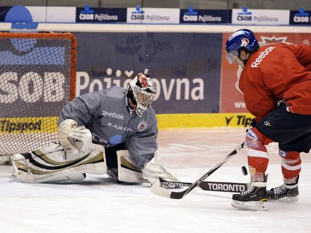 Trénink pardubických a vítkovických hokejistů před play off