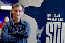 Ivan Trojan: Ve stínu je konečně film, ve kterém si můžeme hlavního hrdiny vážit.
