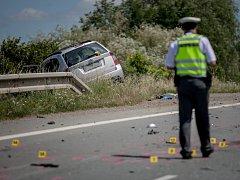 Čelní střet dvou vozidle u Chýště. Zranění utrpěli oba řidiči.