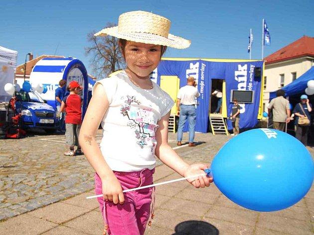 Na Dni s Deníkem v Dašicích mohli návštěvníci získat balonky.