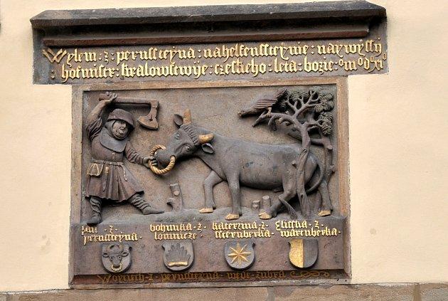 Pernštejnská rodová pověst nad Labskou bránou pardubického zámku.