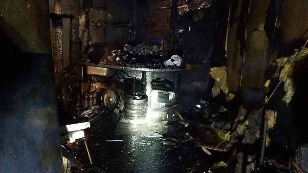 Požár hasičské buňky ve Svinčanech