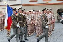 Vyznamenávání českých vojáků za misi v Iráku na Pernštýnském náměstí.