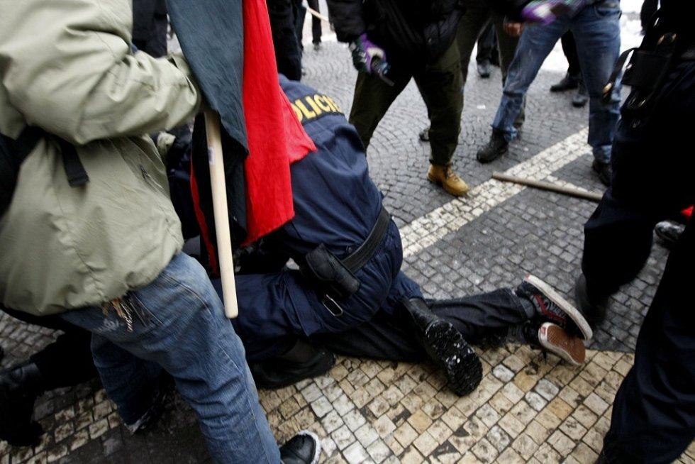 Anarchisté si vynutili policejní zásah