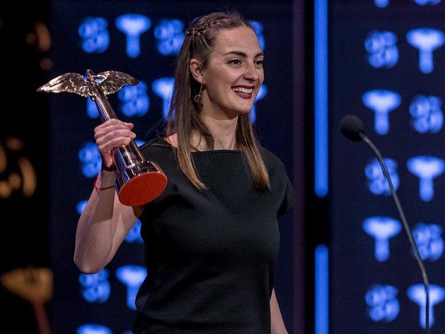 Zpěvačka Barbora Poláková získala dvě sošky Anděla v kategorii Objev roku a Skladba roku.