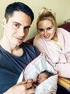 MATĚJ HUDAČ se narodil 4. ledna. Měřil 52 centimetrů a vážil 3850 gramů. Rodiče se jmenují Kristýna a Martin.
