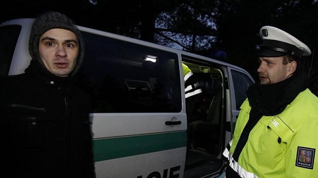 Nehoda, kterou způsobil opilý Bulhar bez řidičáku v ubytovně Na Hůrkách se naštěstí obešla bez zranění. Čtyřiadvacetiletý řidič nadýchal 2,18 promile a bránu netretil o dva metry...