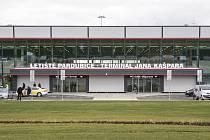 Terminál Jana Kašpara na letišti v Pardubicích.