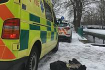 Záchranáři muže uvedli do stabilizovaného stavu