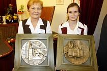 Pamětní medaile Východočeského divadla v Pardubicích