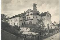 Zámek v roce 1922.