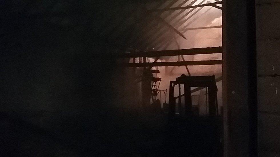 Požár stodoly ve Stéblové způsobil škodu přes dva miliony korun.
