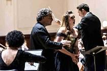 SÓLISTKA. Ojedinělý projekt Hrajeme spolu za Pardubice, vždy představí zajímavého a neokoukaného hosta. V sedmém dílu bude filharmonie doprovázet operní pěvkyni Ester Pavlů.