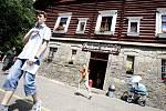Pokus o rekord v počtu Jeníčků a Mařenek vyšel. Do Perníkové chaloupky pod Kunětickou horou jich zamířilo celkem 277
