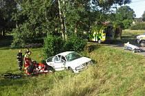 Při nehodě osobního vozidla utrpěli zranění tři lidé