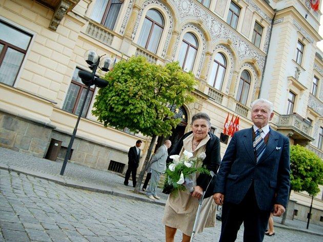 Šedestá let manželství. Manželé Kašparovi oslavili diamantovou svatbu