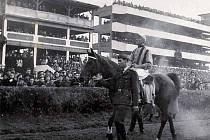 Miloš Svoboda s Titanem v roce 1946
