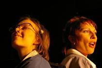 Premiéra hry Umřít smíchy v pardubickém divadle Exil