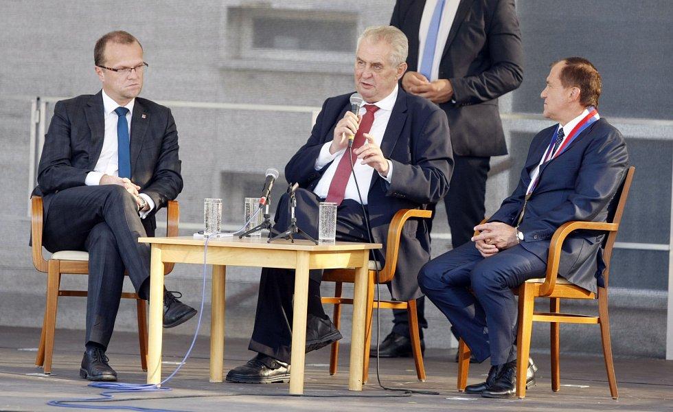 Miloš Zeman v Holicích.
