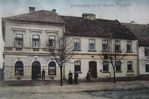 Z historie Horního Jelení.