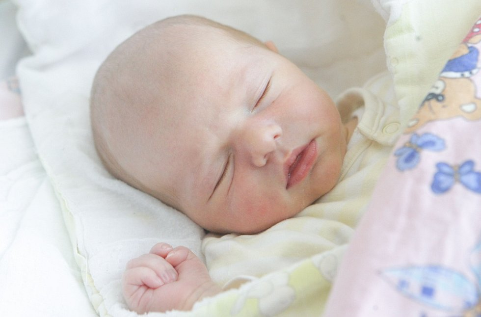TOBIÁŠ POK se narodil 15. května v 16 hodin a 5 minut. Měřil 52 centimetrů a vážil 3660 gramů. Rodiči jsou  Eliška a Michal. Doma v Pardubicích na ně čeká čtyřletý Mikuláš.
