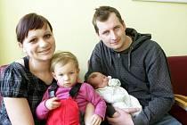 Nikolka Štěpánková se narodila 5. února ve 12:45 hodin. Měřila 50 centimetrů a vážila 3660 gramů. Maminka Andrea a tatínek Roman mají doma v Hrobicích ještě 22měsíční Adélku.