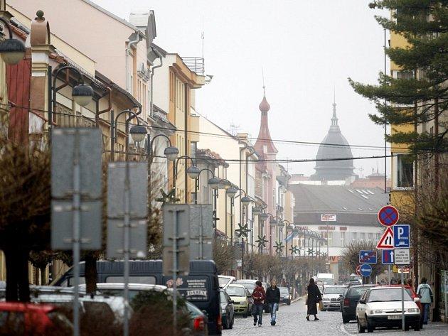 Ženu, která celou noc zaměstnávala policisty falešným tvrzením, že je svázaná a pobodaná, zatkli policisté až v pátek ráno ve Smilově ulici.