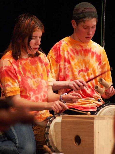 Muzikoterapeutické vystoupení Základní a praktické školy Svítání