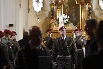 Pohřeb tragicky zesnulého výsadkáře Lukáše Syručka v Rohovládově Bělé