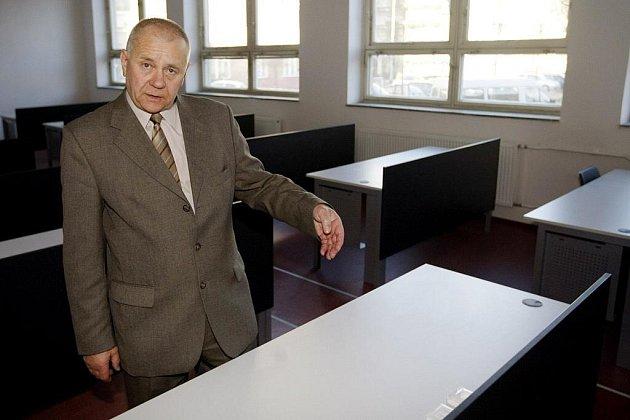 FAKULTA ELEKTROTECHNIKY A INFORMATIKY UNIVERZITY otevřela deset nově zrekonstruovaných učeben.