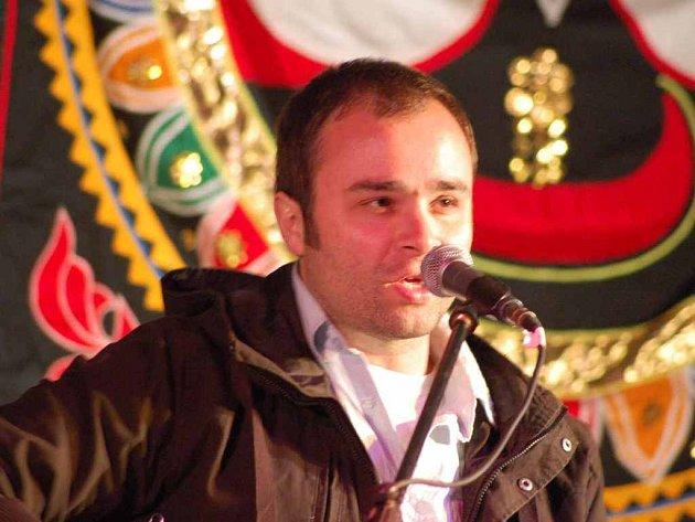 Zdeněk Bína z hudební skupiny -123 minut na Happy Festu v Pardubicích.