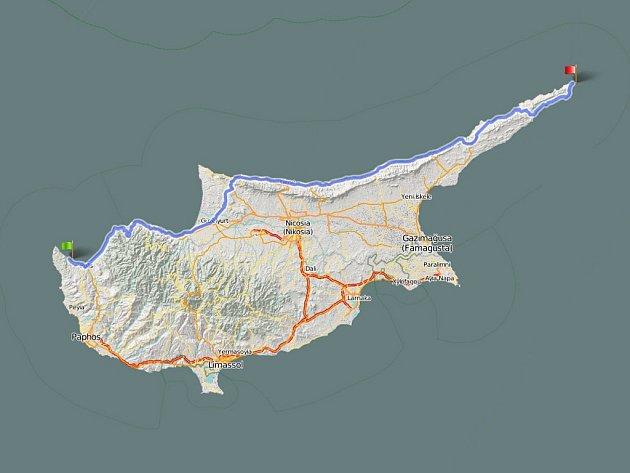 Přejezd Kypru na koloběžkách? Tudy povede trasa.