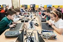 Odborné učebny na ZŠ Závodu míru byly rekonstruovány a dostaly nové vybavení včetně pomůcek a potřebné techniky.