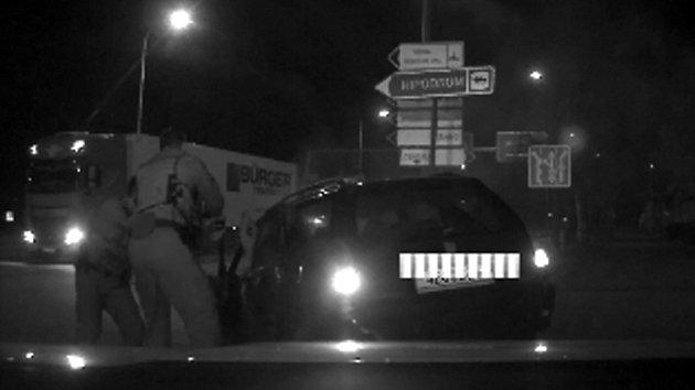 Policejní hlídka v Pardubicích pronásledovala zfetovaného řidiče.