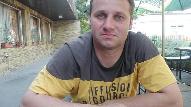 Trenér fotbalového celku SK Holice LUBOŠ PILAŘ