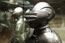 Výstava Poklady zbrojnic na pardubickém zámku.