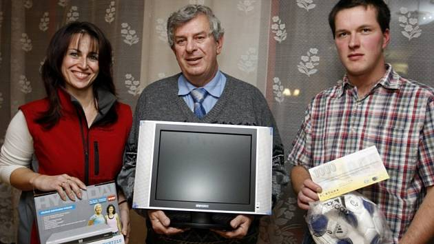 Trojice výherců  - zleva Vilma Štaudová, Josef Slabý a Radek Machatý