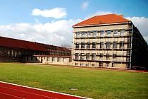 Budova ZŠ Benešovo náměstí