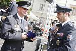 Policisty z Pardubického kraje vyznamenal v Pardubicích policejní prezident Tomáš Tuhý.