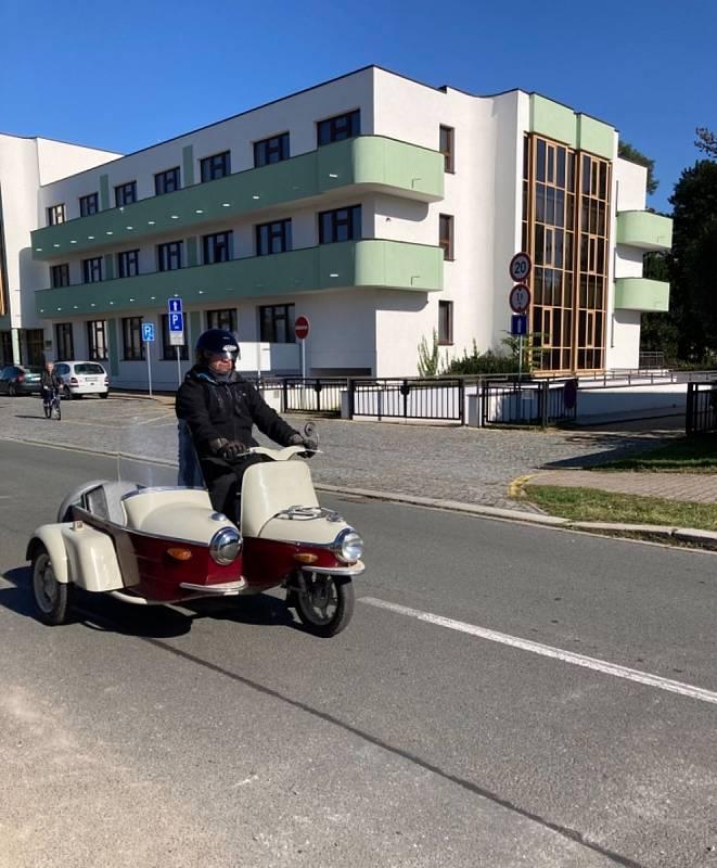 V sobotu 9. října se Pardubicemi prohnala spanilá jízda veteránů.
