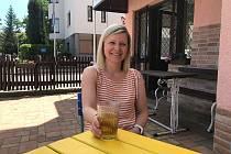 Moje jméno je Katka Boráňová a jsem v první řadě spokojená ženská, která má dvě malé děti a skvělého manžela, takže je mi dobře.
