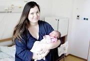 ADÉLA ŠPRINCOVÁ se narodila 13. prosince ve 4 hodiny a 32 minut. Měřila 49 centimetrů a vážila 3290 gramů. Maminku Moniku podpořil u porodu tatínek Petr. Doma v Rybitví na nového sourozence čeká jedenapůlroční Matěj.