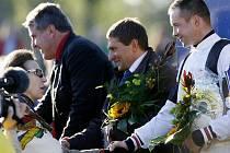 Princezna Anna gratuluje šťastnému vítězi Dušanu Andrésovi