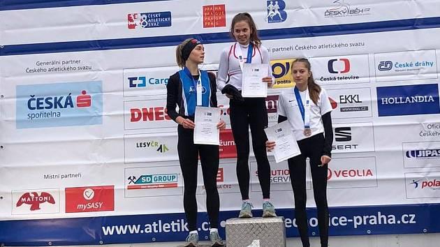 Ve finiši mistrovského přespolního běhu nestačila Eliška Koletová pouze na Karolínu Jarošovou ze Slavie Praha.