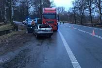 Střet nákladního a osobního auta v Bohdanči si vyžádal jedno lehké zranění.