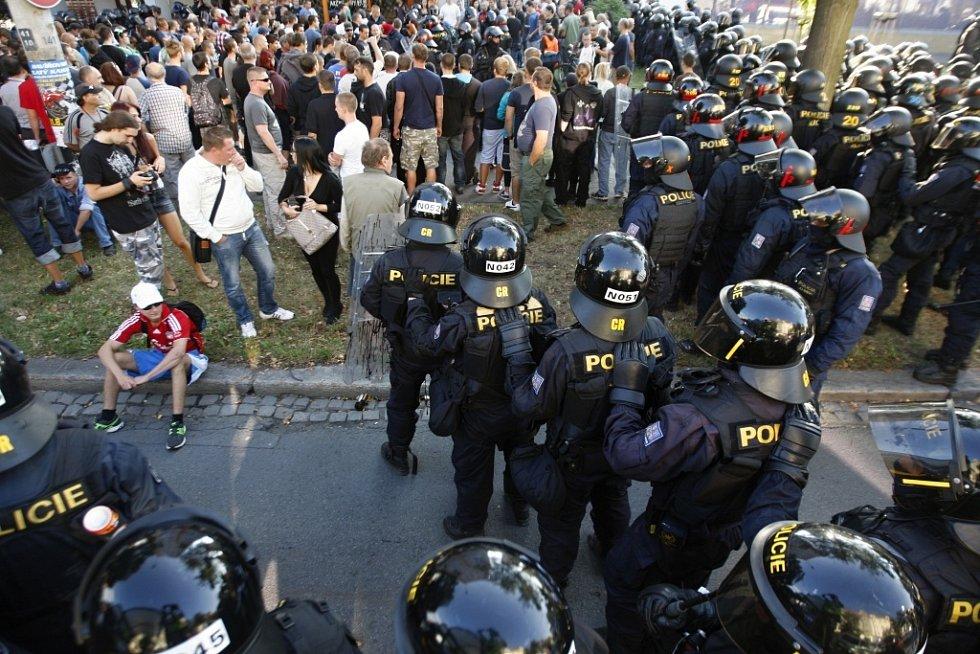 Policejní pořádková jednotka Pardubického kraje byla v sobotu nasazena v Ostravě.