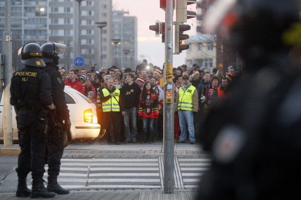 Fanoušci hokejového derby museli i tentokrát být pod dozorem policie