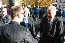 Příjezd prezidenta Zemana před krajský úřad Pardubického kraje