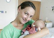 MAX HEŘMANSKÝ se narodil 2. července ve 14 hodin a 46 minut. Měřil 47 centimetrů a vážil 2370 gramů. Maminku Janu podpořil u porodu tatínek Tomáš. Bydlí v Moravanech a doma na ně čeká čtyřletý Vít a šestnáctiměsíční Dan.
