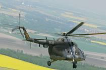 Vrtulník Mi-17, na kterém budou vojáci trénovat v Pardubicích.